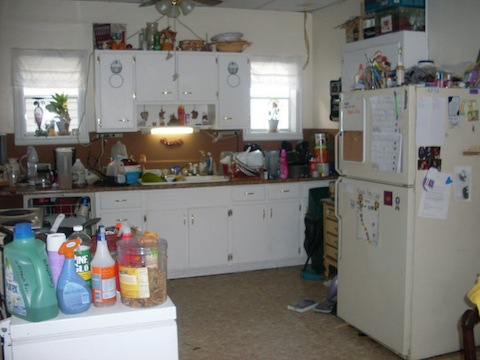 amandas-messy-kitchen