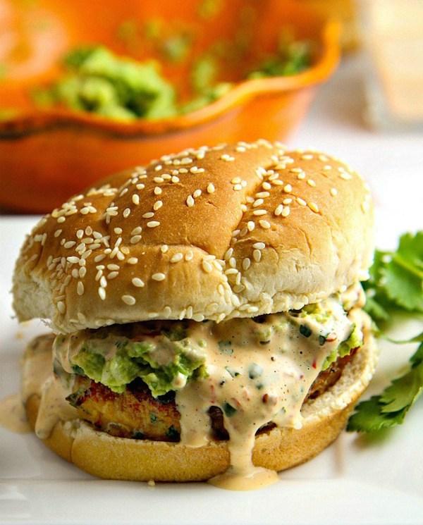 Avocado-Chicken-Burger-with-chipotle-mayo-2